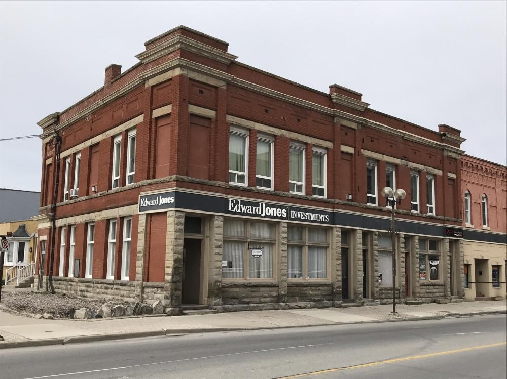 574 - 584 Talbot Street, St. Thomas, ON, N5P 1C4 Canada