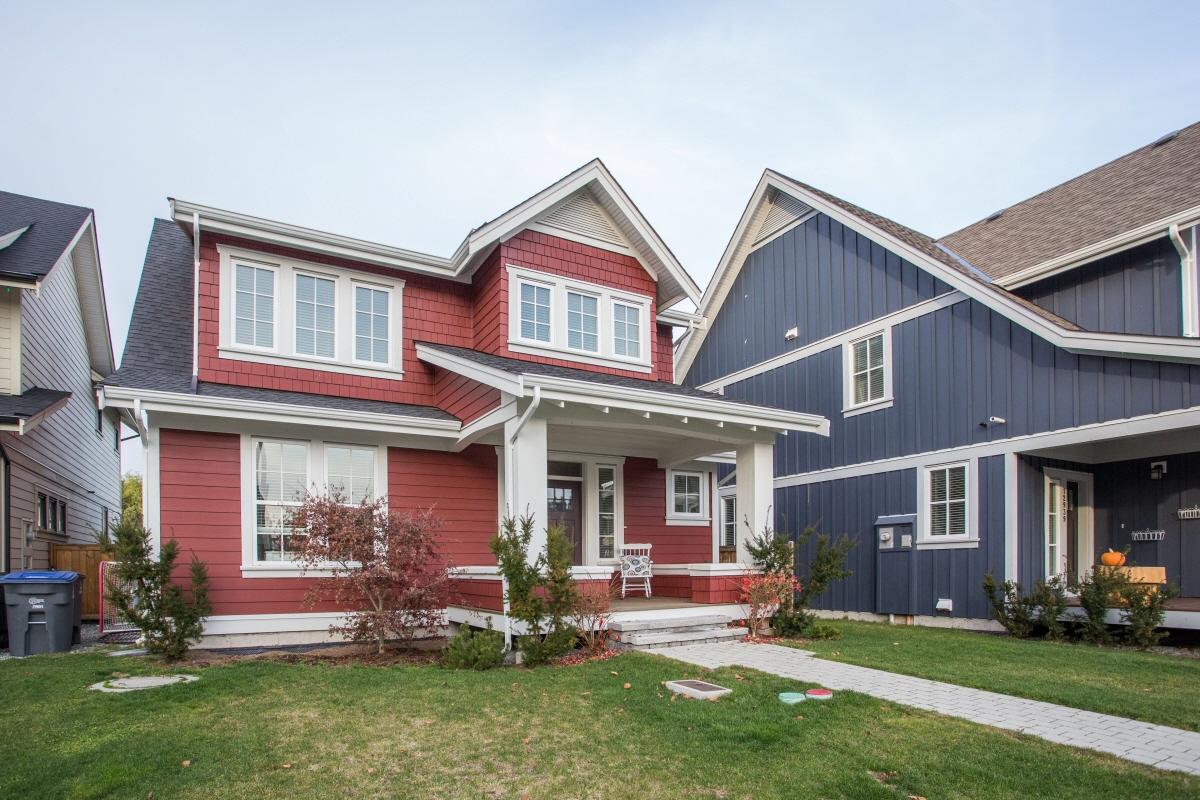 12935 15A Ave, Surrey, BC, V4A 4C2 Canada