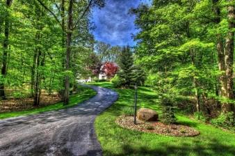 3369 Blue Water Pines Drive NE, Grand Rapids, MI, 49525 United States