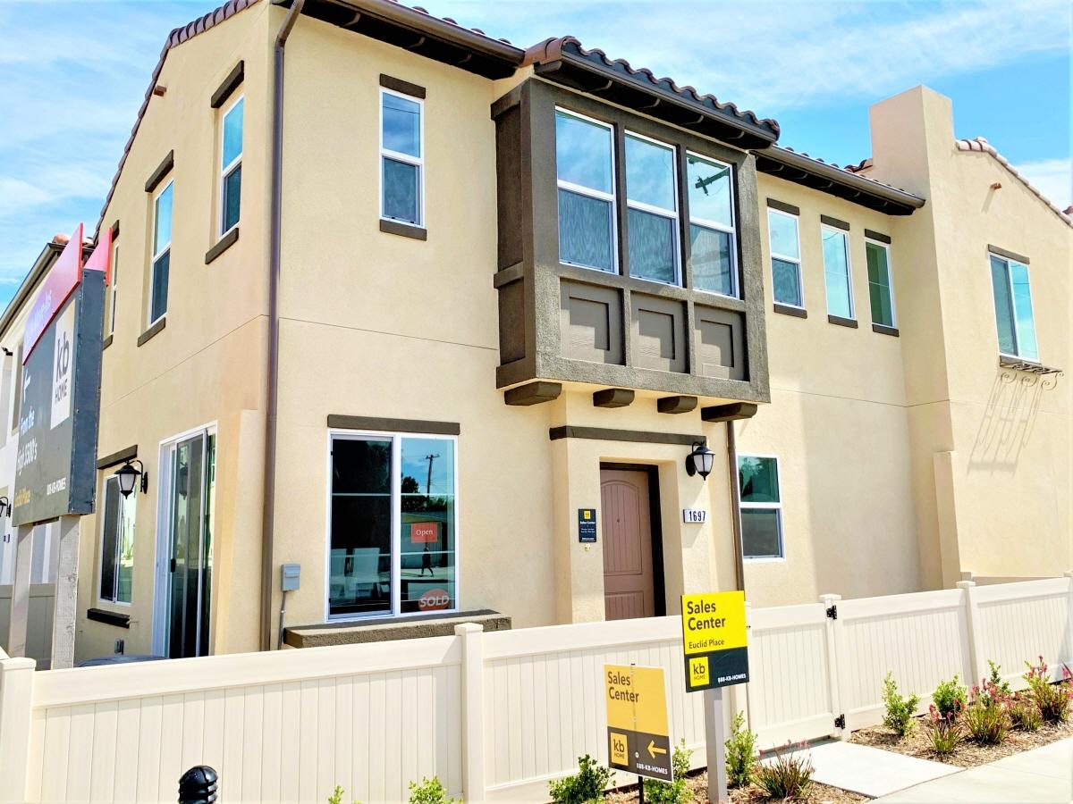 1697 W Rhombus Ln, Anaheim, CA, 92802 United States