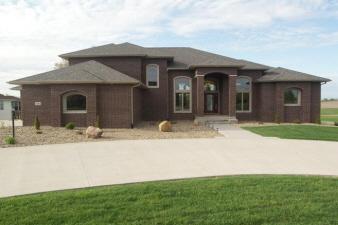 3805 Stoney Pointe Ln, Iowa City, IA, 52240 United States