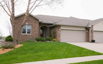 851 Scott Park Dr, Iowa City, IA, 52245 United States