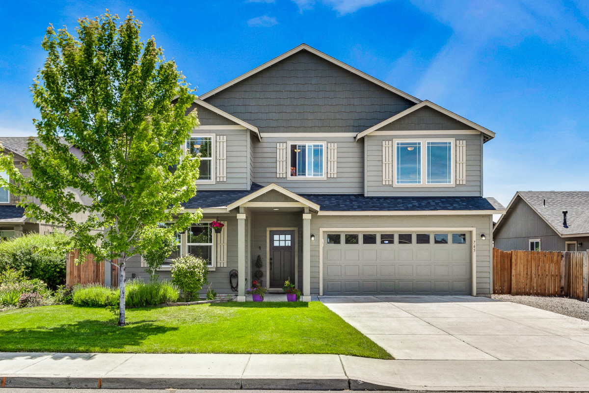 765 NW Green Forest Circle, Redmond, OR, 97756 United States