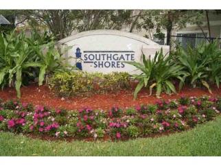 8547 W SOUTHGATE SHORES Circle, TAMARAC, FL, 33321