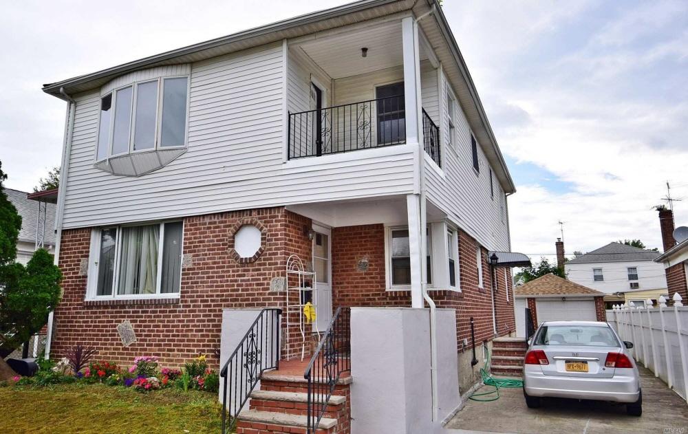 76-21 250Tth Street, Bellerose, NY, 11426 United States