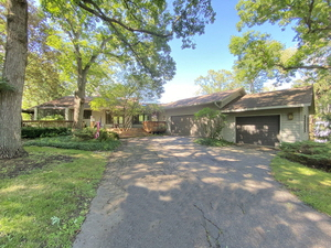 24268 N Forest Drive, Lake Zurich, IL, 60047 United States