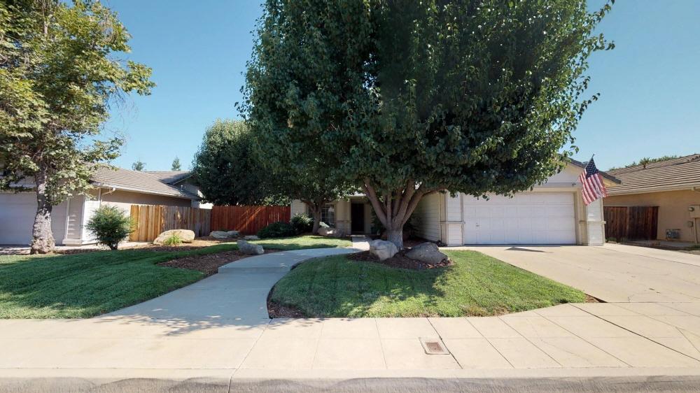 2845 Dennis Ave, Clovis, CA, 93611 United States