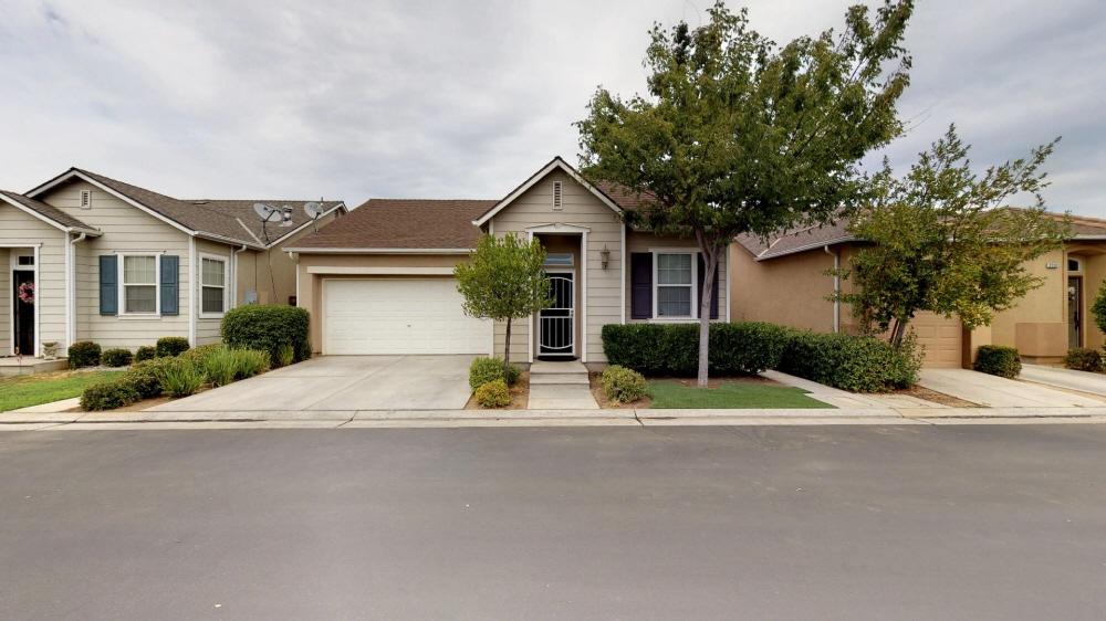 3758 W Persimmon Lane, Fresno, CA, 93711 United States