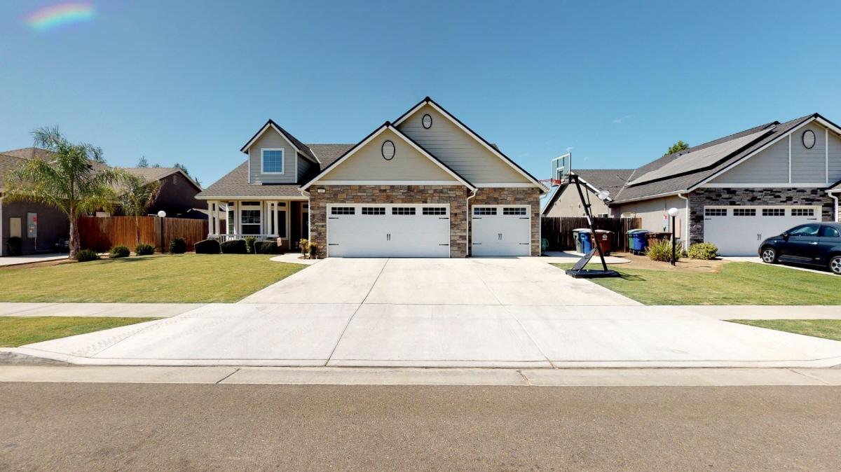 101 Fenmore, Sanger, CA, 93657 United States