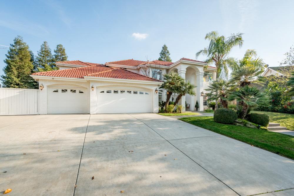 853 E. Ridgecrest Dr, Fresno, CA, 93730 United States