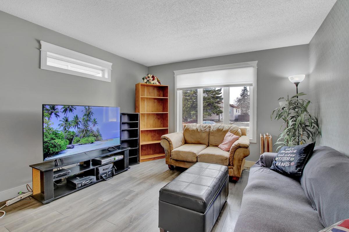 1109 Fort STREET, Regina, SK, S4T 5R9 Canada