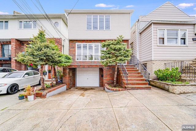 180 McAdoo Avenue 2, Jersey City, NJ, 07305 United States