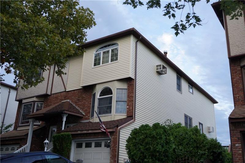 165 Malone Ave, Staten Island, NY, 10306 United States
