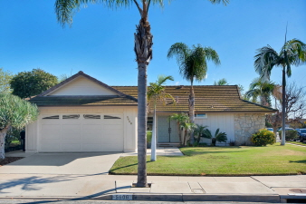 Birkdale Way 5606, San Diego, CA, 92117 United States