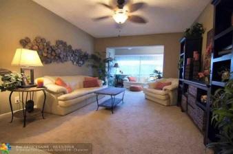 303 3220 Holiday Springs Blvd, Margate, FL, 33063-5454